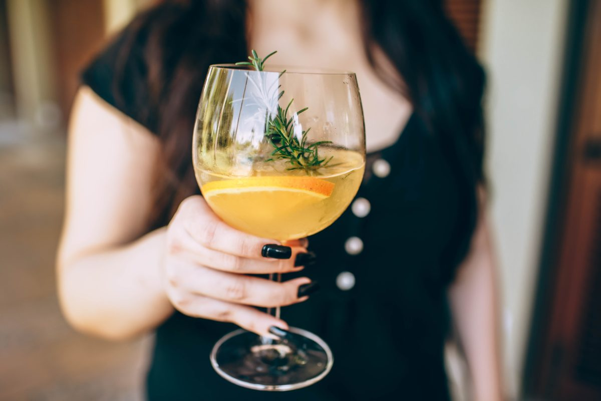 ワインを使った誰でも作れる簡単カクテルを紹介!残ったワインもおしゃれに楽しもう