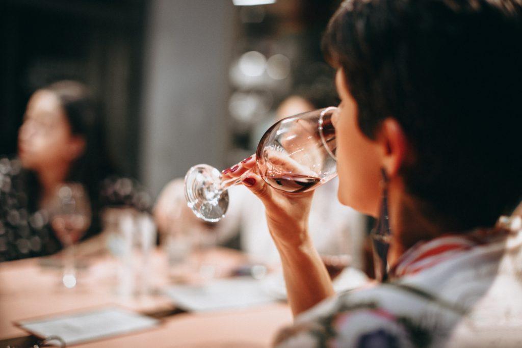 自宅でワインを美味しく飲むポイントは「温度」!