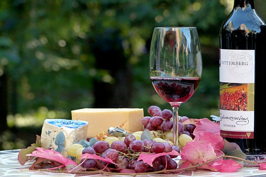 赤ワイン用の主な黒ブドウ品種と特徴とは?