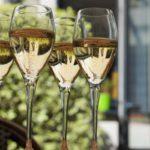 スパークリングワインはどうやって作ってるの?泡の秘密と特徴をわかりやすく解説!【ワイン入門編】