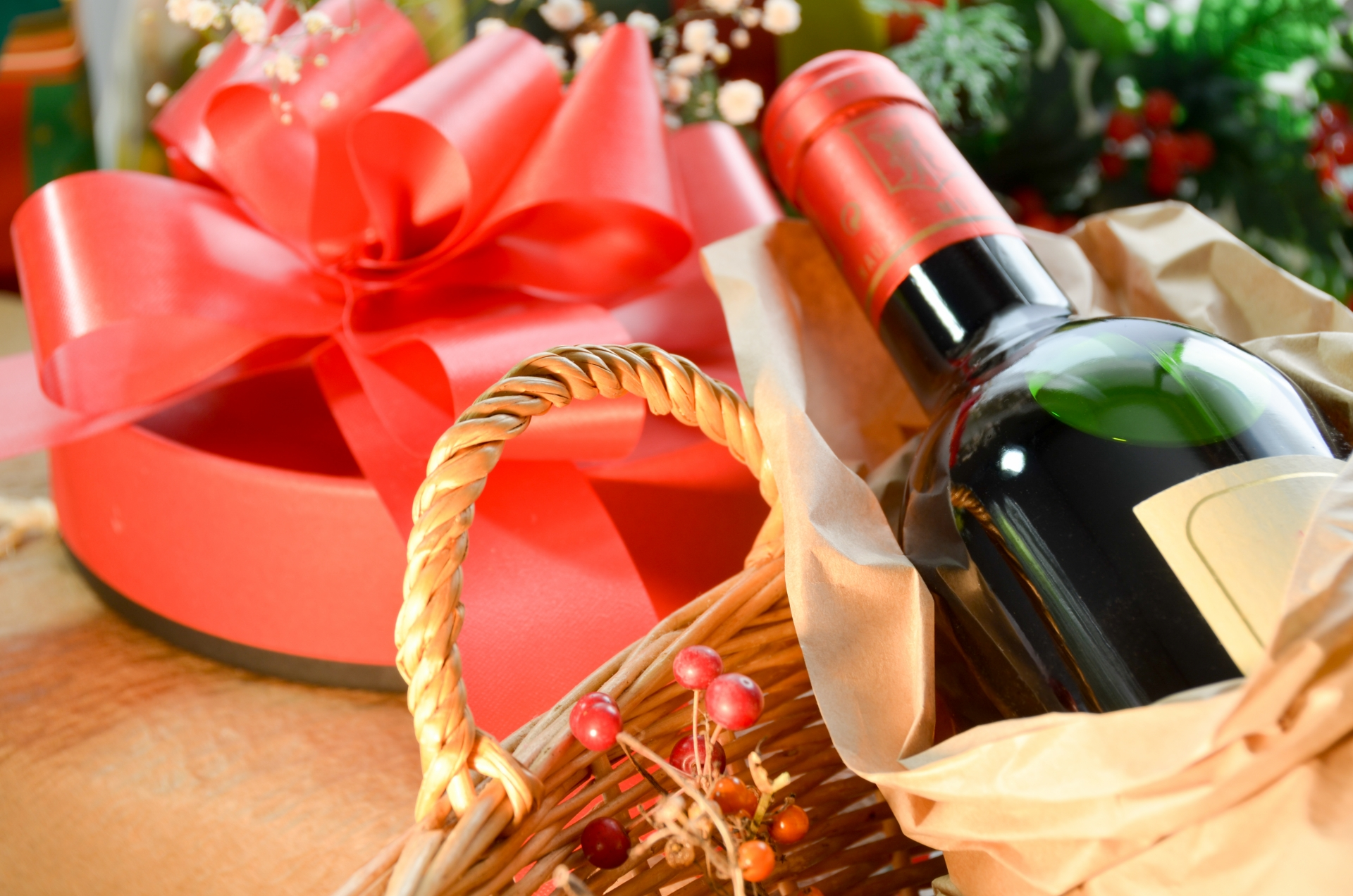 ワインをプレゼントに選ぶ時の簡単なポイントをわかりやすく解説します!【ワイン入門編】