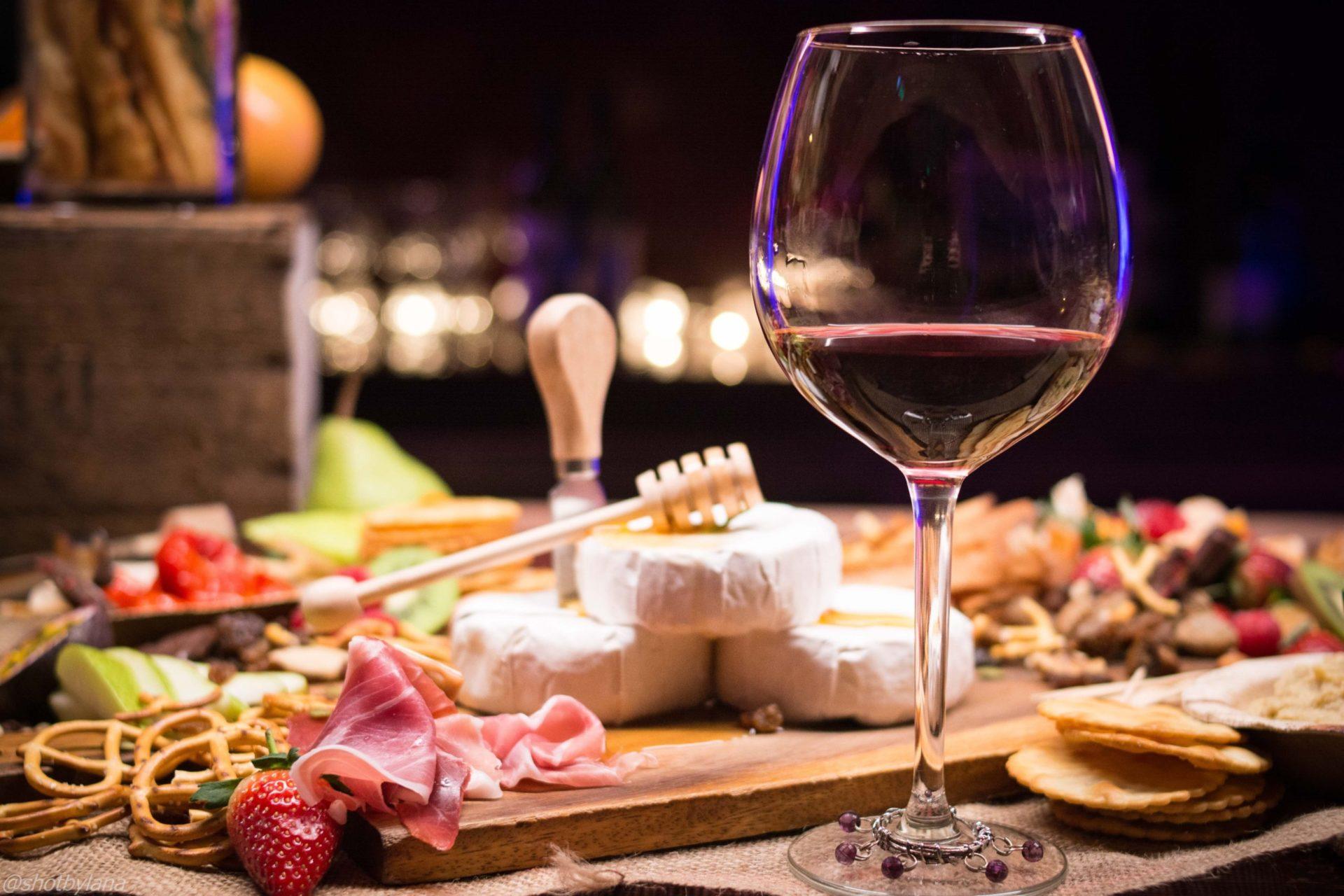ワインを選ぶ時のコツは料理に合わせて選ぶ