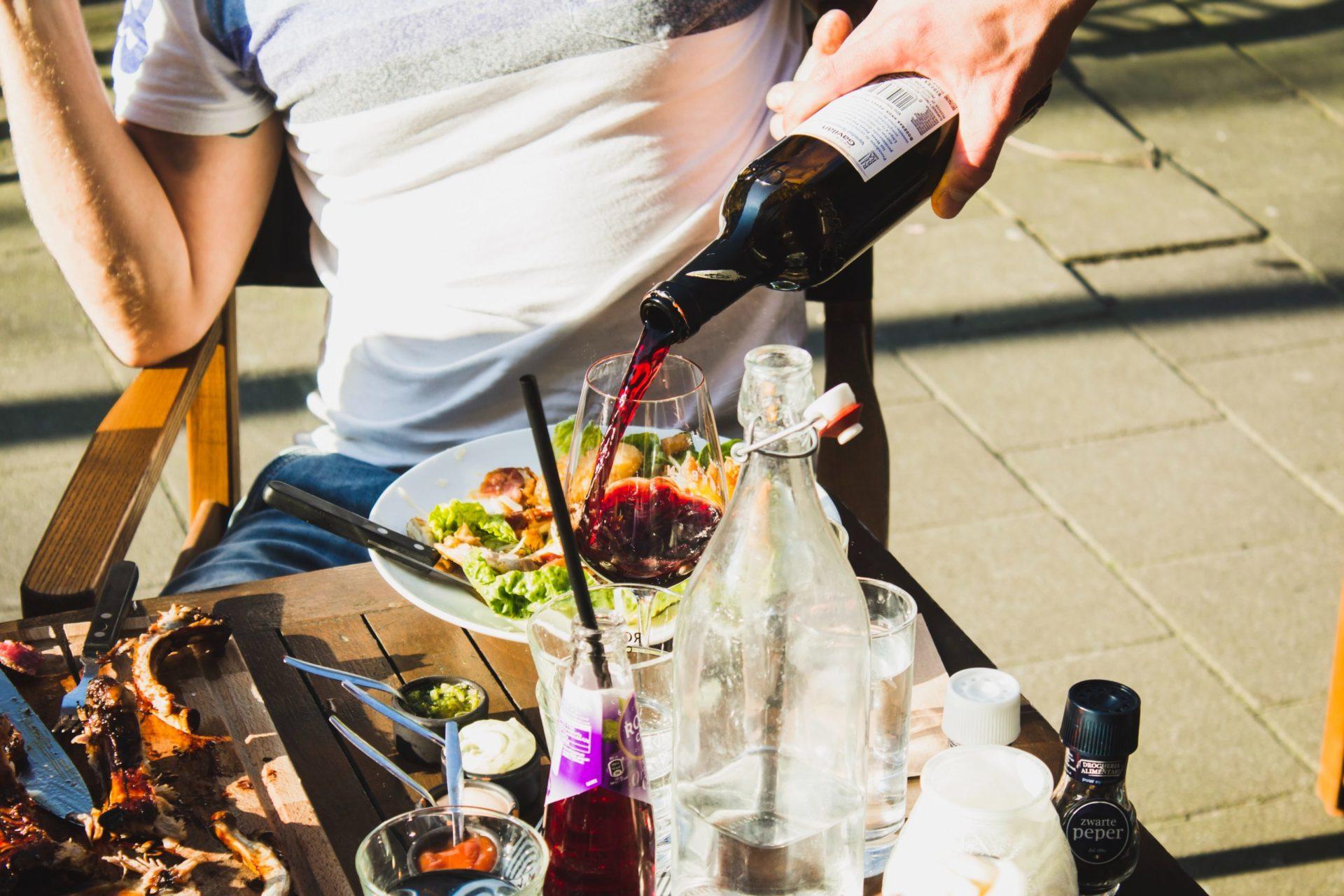 ワインは開栓したらいつまでに飲めばいい?