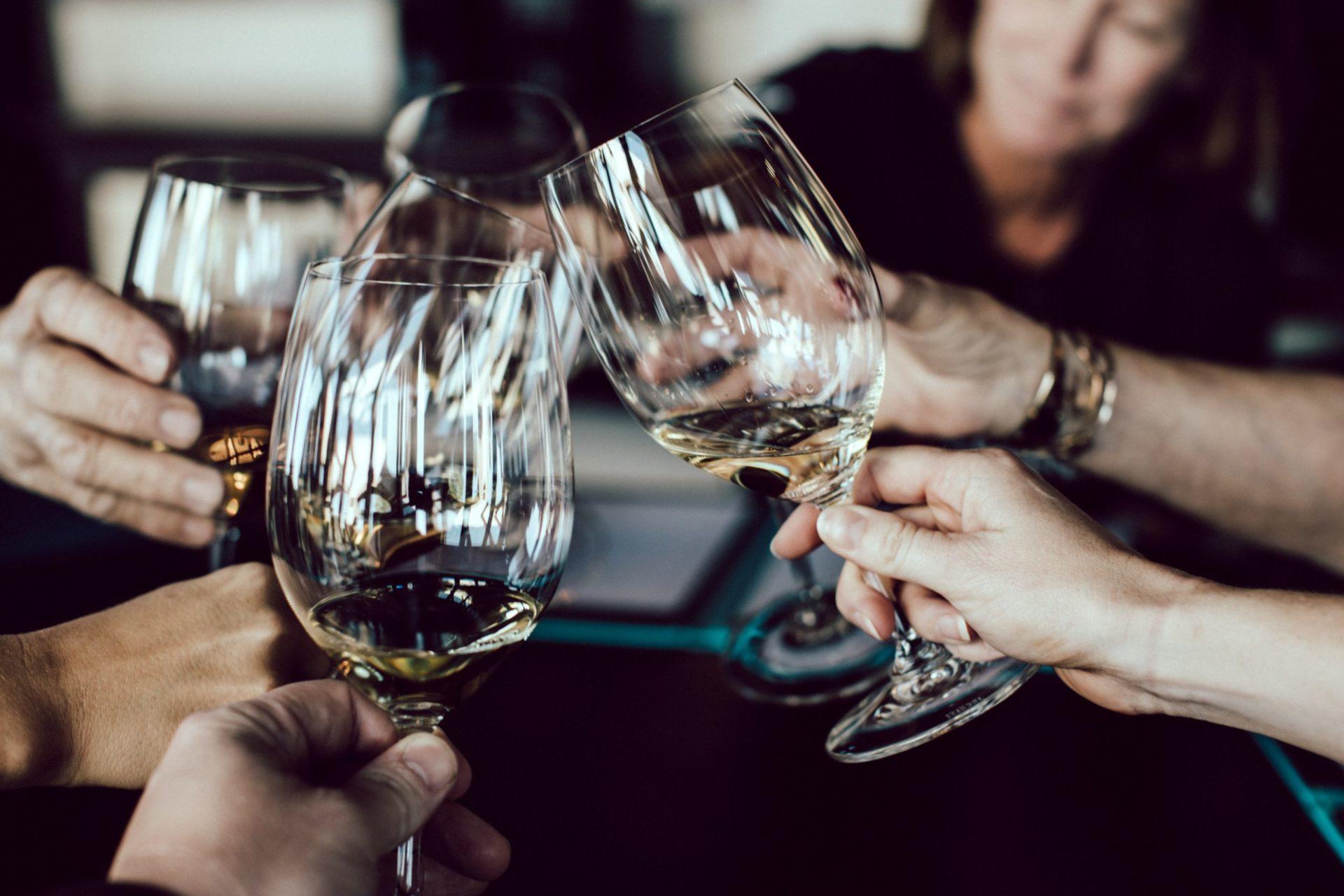 知っておくと便利なワインのマナー