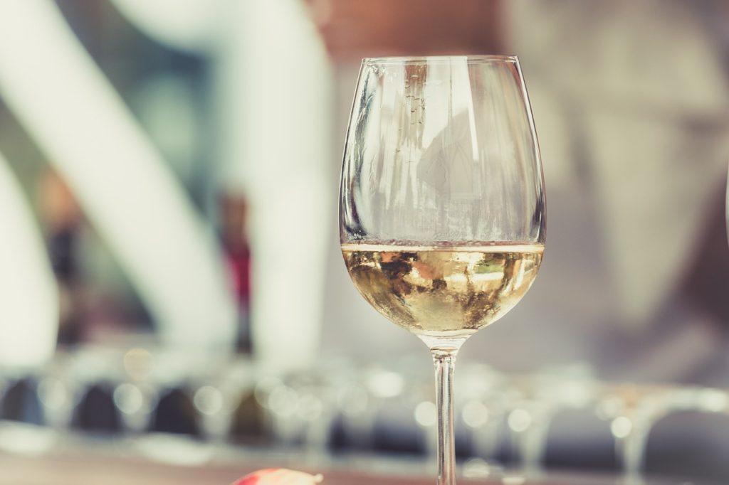 白ワインは健康や美容に効果があるって本当?