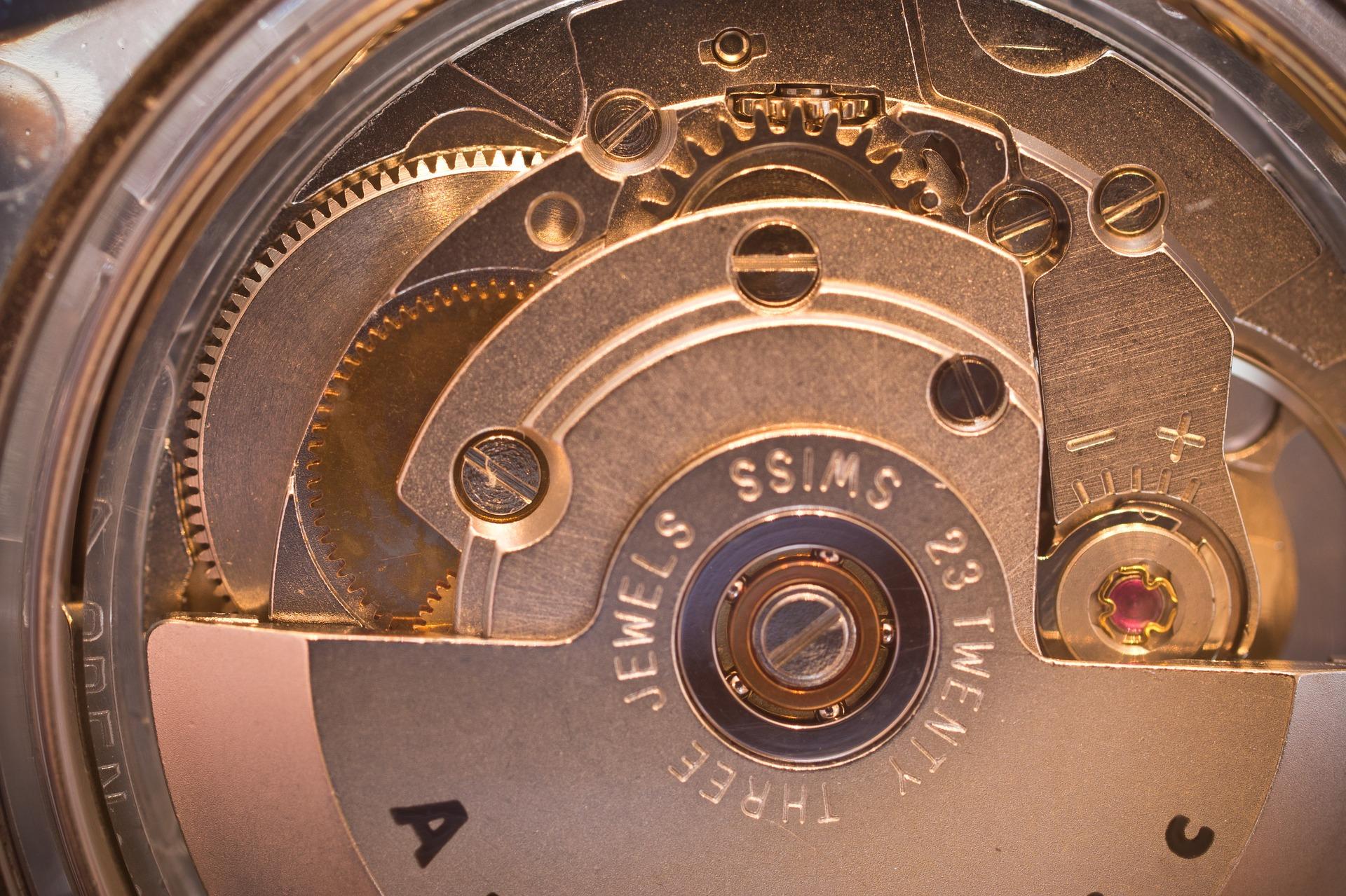 一生モノの腕時計の購入を検討中の人はオーバーホールを知っておくべき