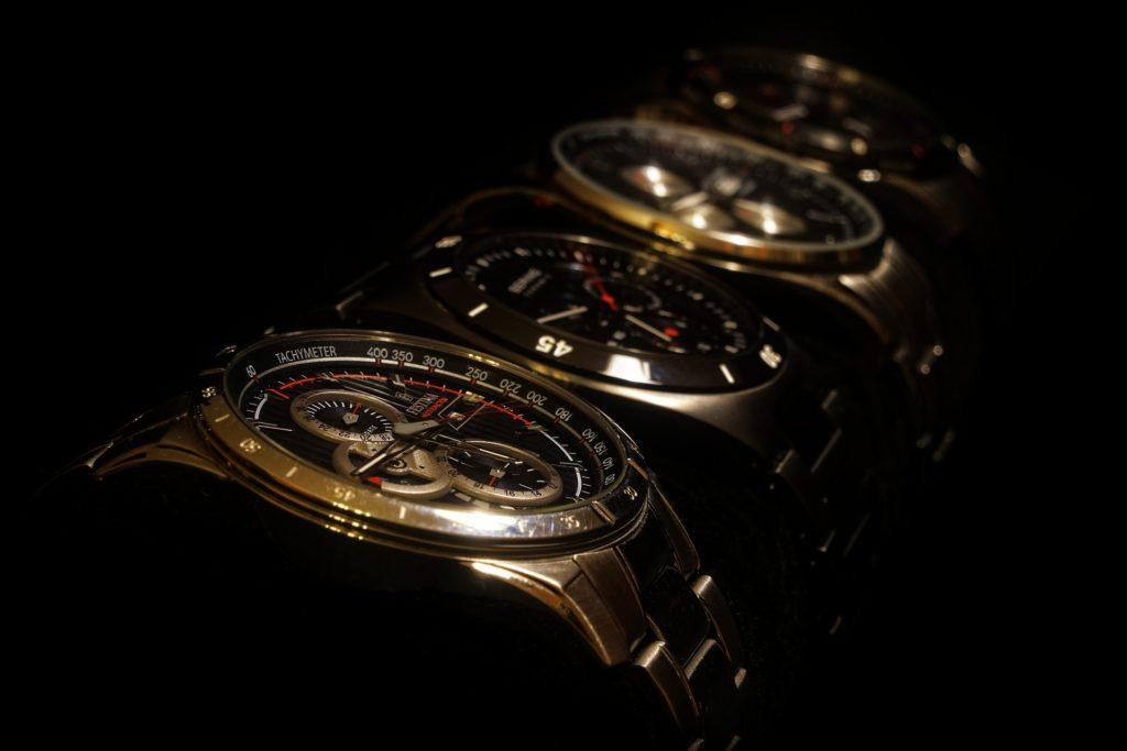 腕時計初心者でもわかる機械式とクオーツ式の見分け方