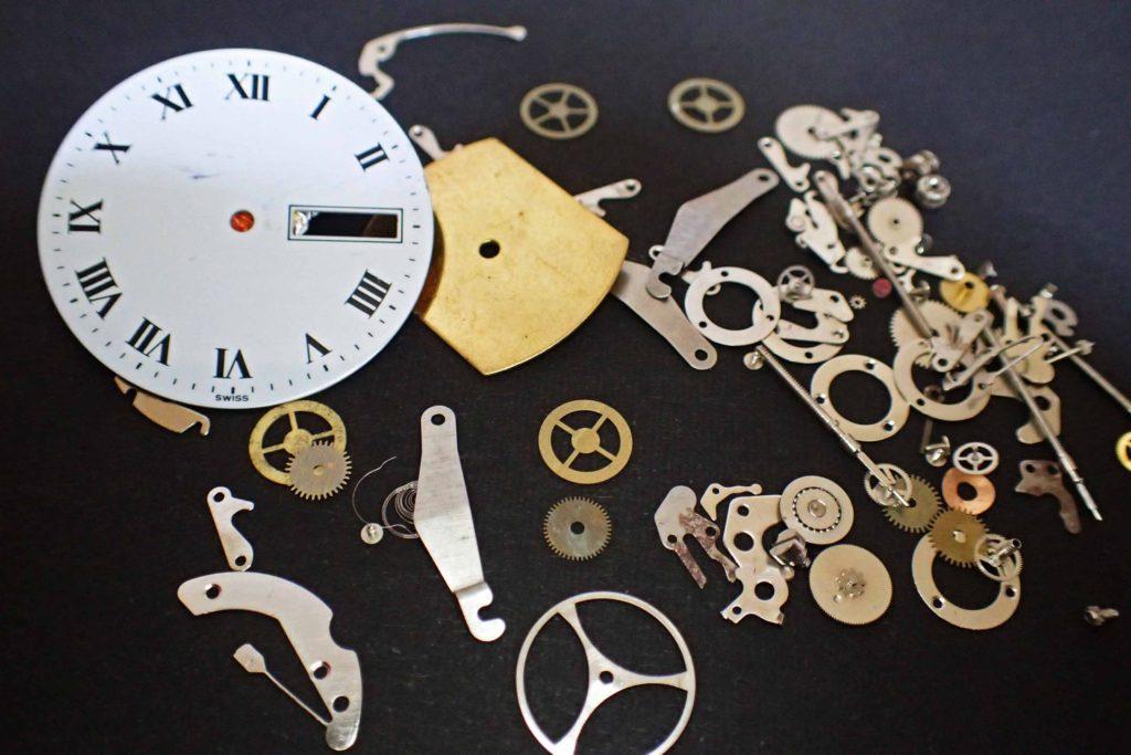 腕時計の3~5年に一度のオーバーホール費用は盲点