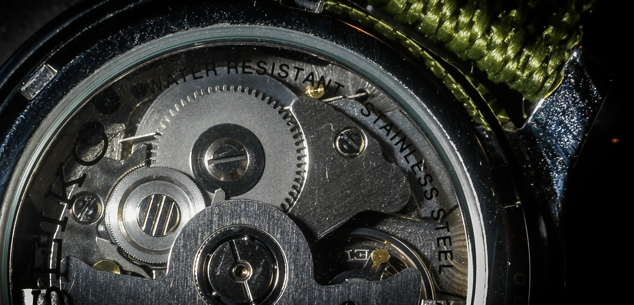 腕時計の基本的な種類は大きく分けて2つ!