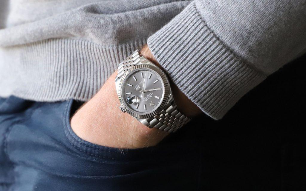 腕時計ひとつで変わる持つ人のイメージ