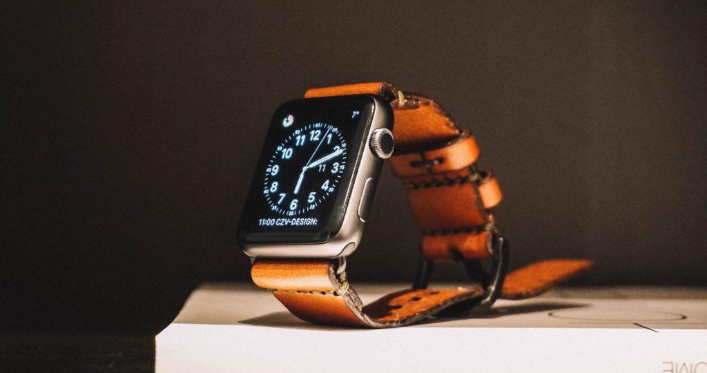 腕時計がオシャレなインテリアに大変身するウォッチスタンド