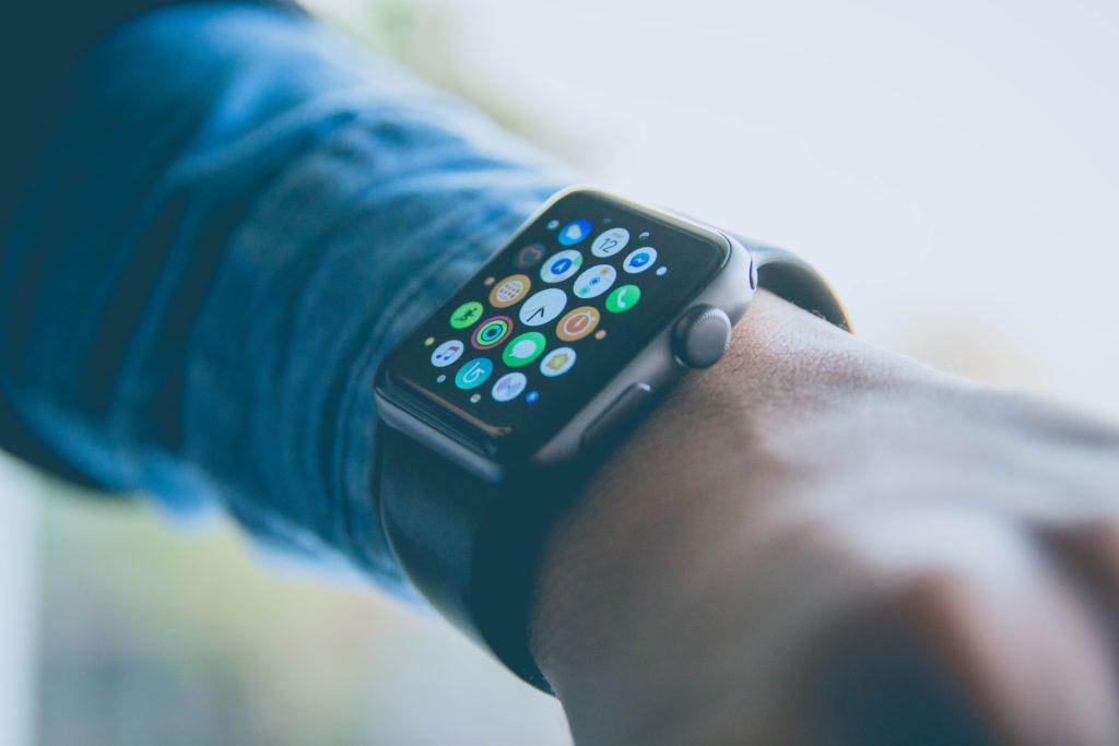 レンタル期間中の腕時計の交換は毎月1回限り無料!