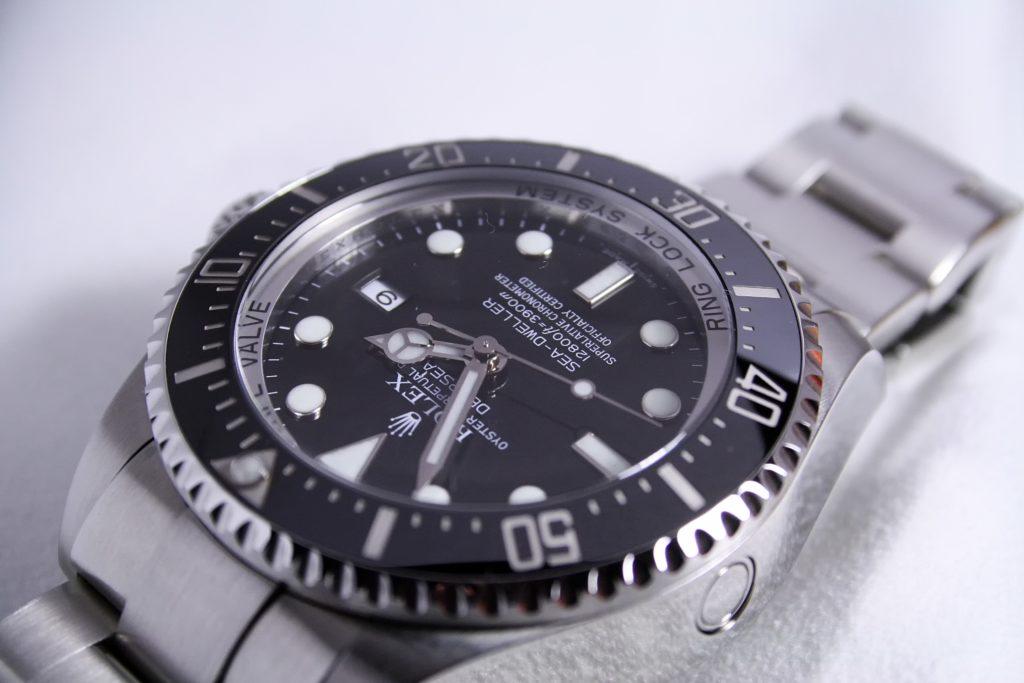 カッコイイ腕時計を見つけても諦めてしまう5つの理由