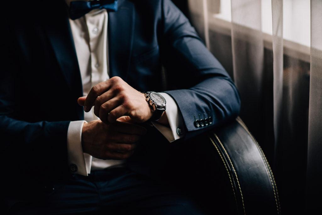 「KARITOKE」で腕時計をレンタルする流れ