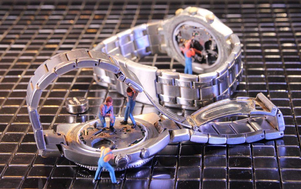 えっ!?腕時計のオーバーホールって、そんなにかかるの?